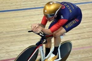 Bradley Wiggins setting the UCI 1-hour record (54.526 km) in 2015